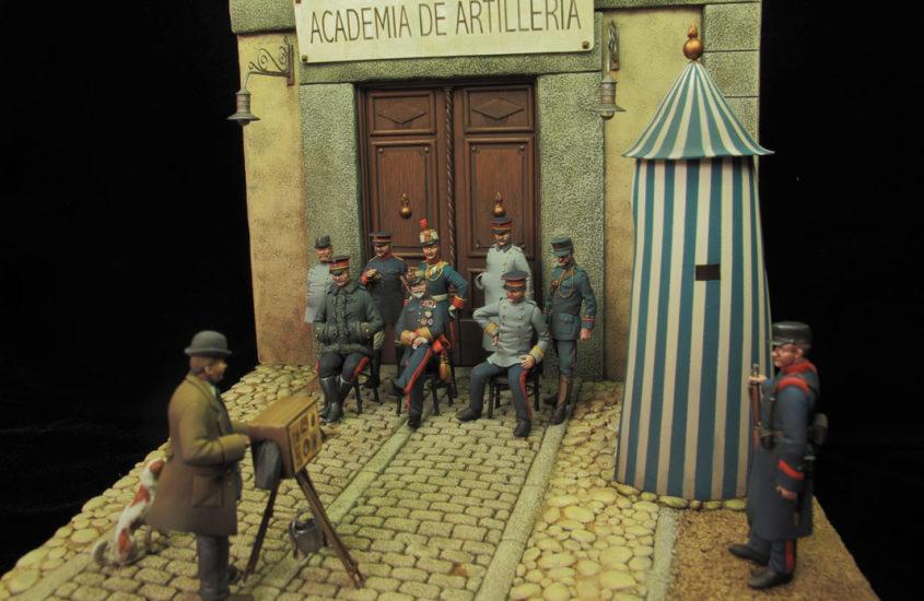 La Academia de Artillería – Puerta de Dia Sanz (principios del siglo XX) – (1/2:Planteamiento y Escultura)