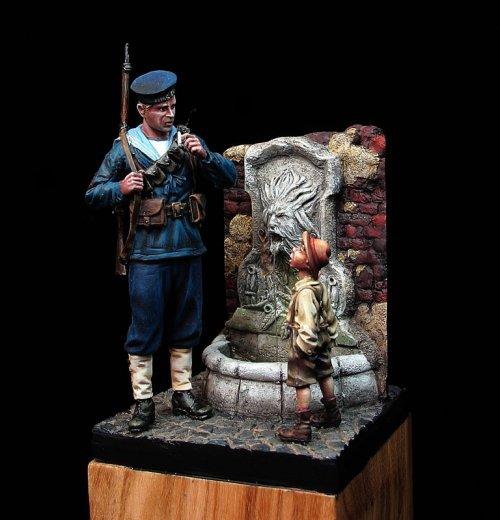 1914 Royal Navy y muchacho